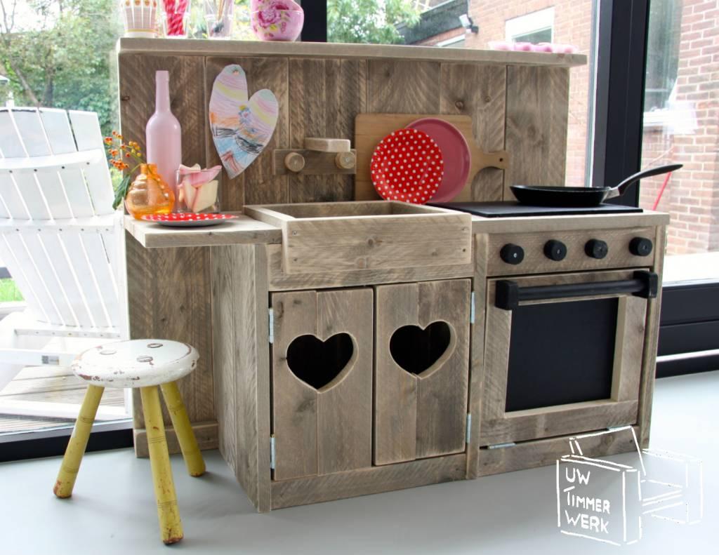 Wie kent er kinderen die dit keukentje willen hebben for Simpele keuken